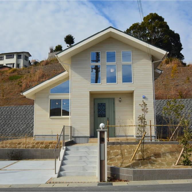 平屋感覚で暮らせる2階建ての家(FLEX)のサムネイル画像