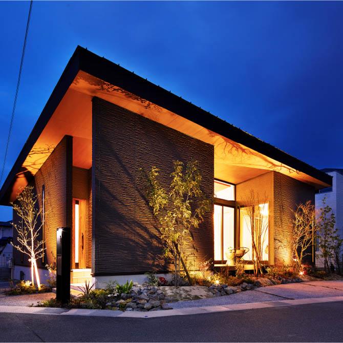 ゆとりのあるFLATな家のサムネイル画像