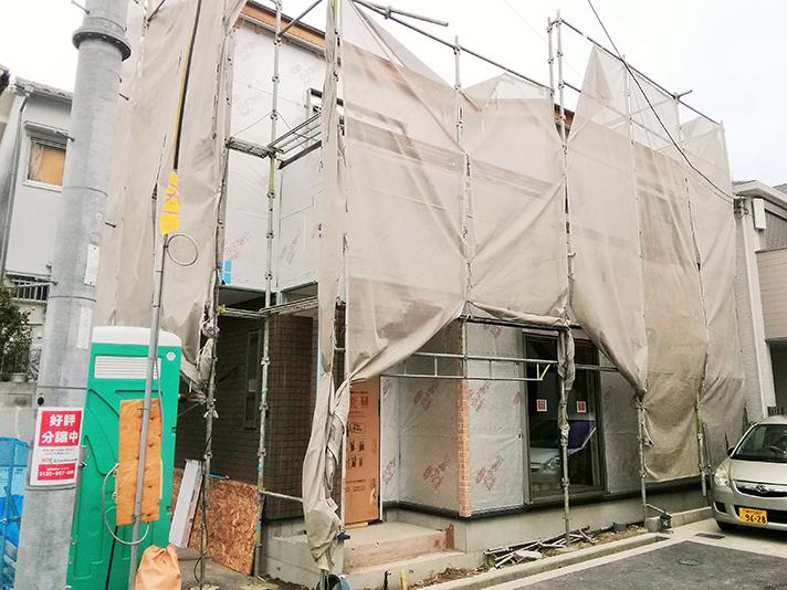 5号地外壁工事中のサムネイル画像